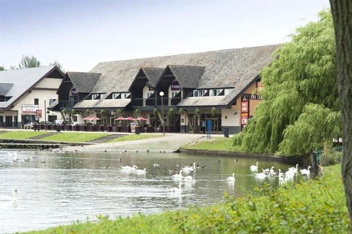 Premier Inn Willen Lake East Milton Keynes - dream vacation