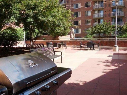Basic Overnight Quarters Meridian At Pentagon City Apartment - dream vacation