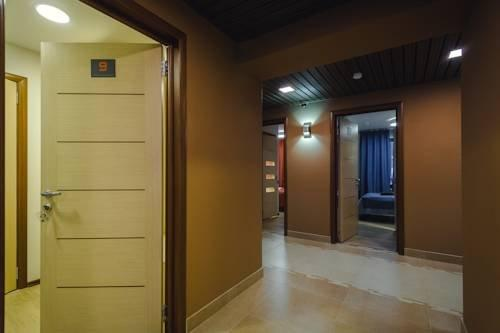 Отель Rooms & Breakfast