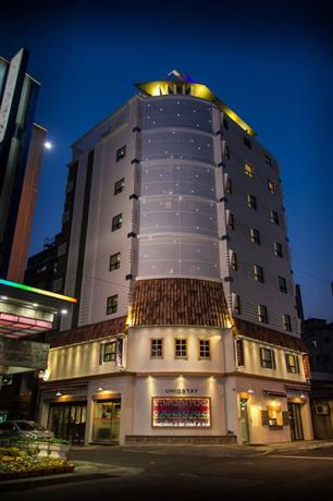 Uniqstay Hostel and Suite - dream vacation