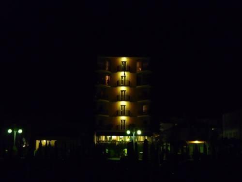 Hotel Mondial - dream vacation