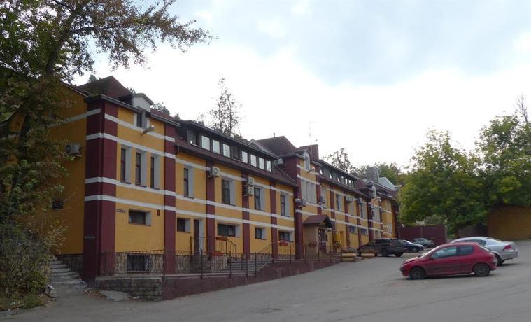 Отель Домино
