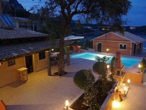 Akis Apartments - dream vacation