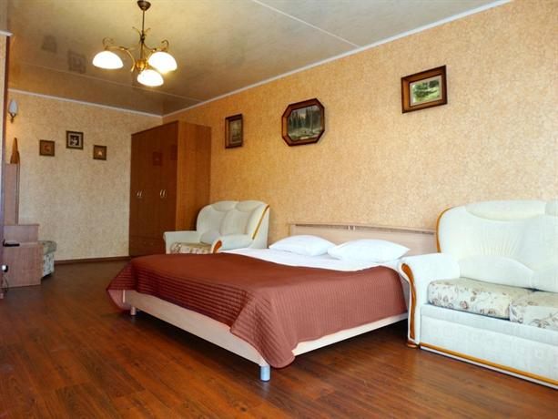 Inndays Na 9 Maya Apartments - dream vacation