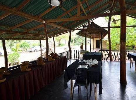 Sudu Kanda Lake Resort