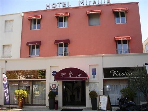 Hotel The Originals Arles Mireille
