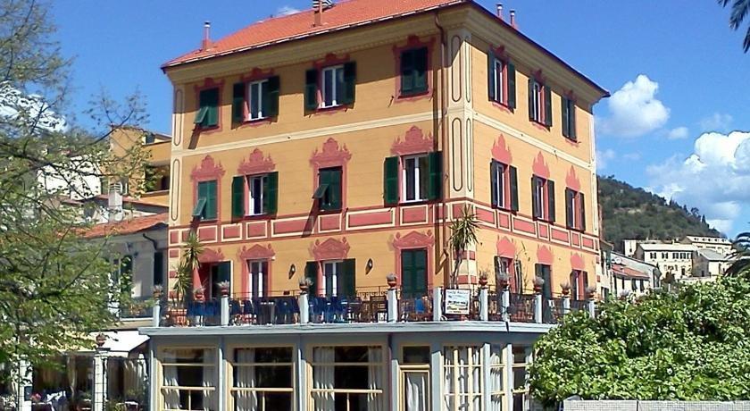 Hotel Miramare Noli - dream vacation
