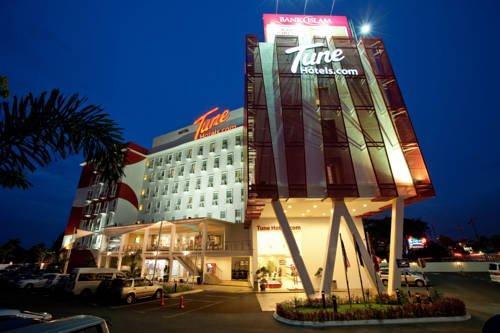 Tune Hotel - Danga Bay Johor - dream vacation