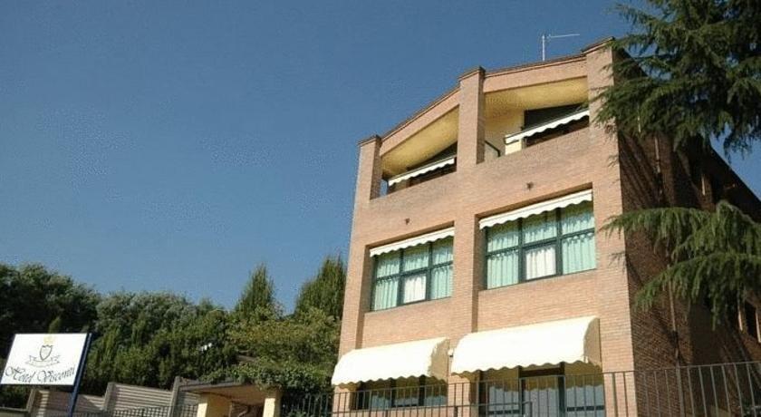 Hotel Visconti Cardano al Campo - dream vacation