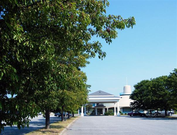 Sunset Beach Resort, Virginia Beach - Compare Deals