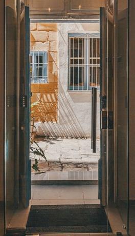 Cornelius Valletta Apartments - dream vacation