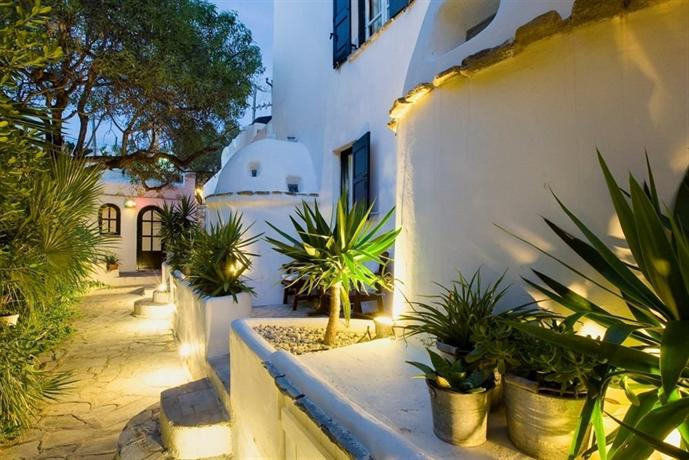 Rania Apartments Studios & Suites - dream vacation