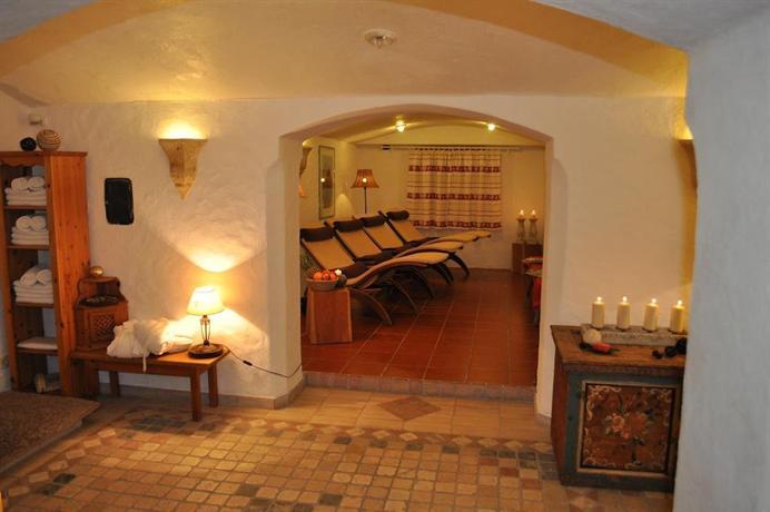 Hotel Schlosswirt - dream vacation