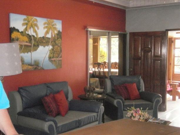 Moniques Guest House Maraval - dream vacation
