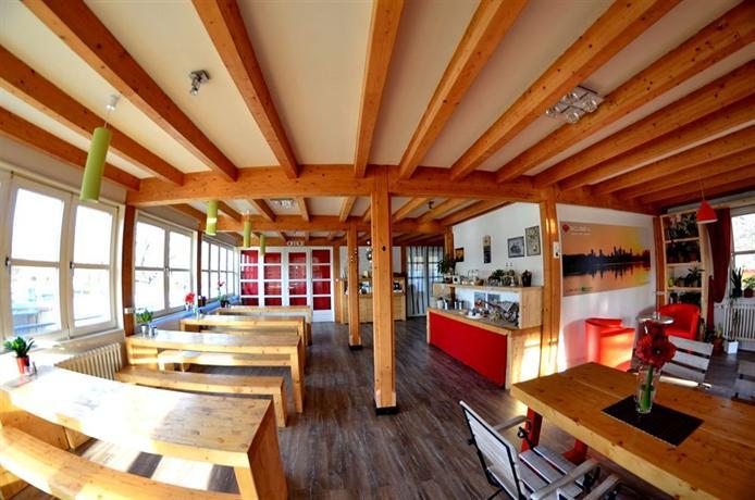 scube park columbia berlin. Black Bedroom Furniture Sets. Home Design Ideas