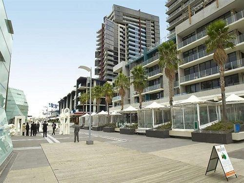 Apartments Melbourne Domain - New Quay Docklands ...