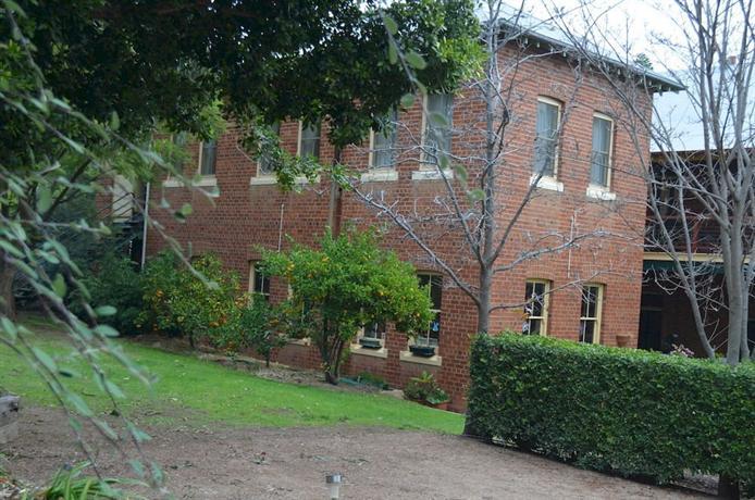 Old Parkes Convent
