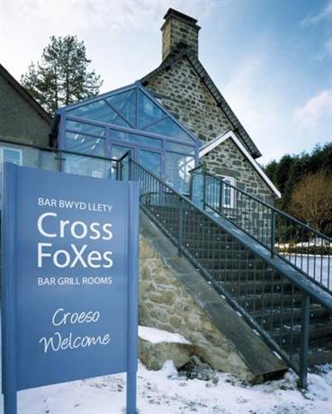 Cross Foxes Bar Grill Rooms Dolgellau - dream vacation