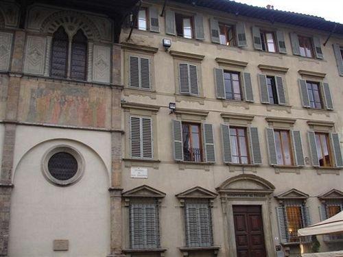 B&B Soggiorno Battistero, Florence - Compare Deals