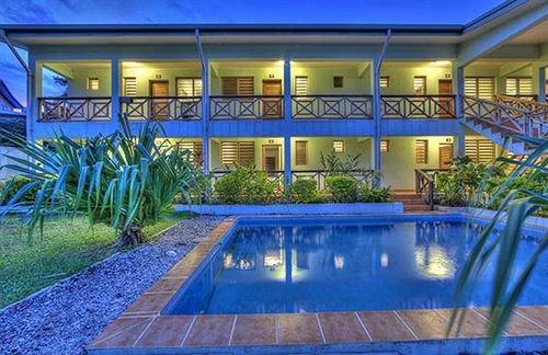 Travellers Inn Apartments - dream vacation