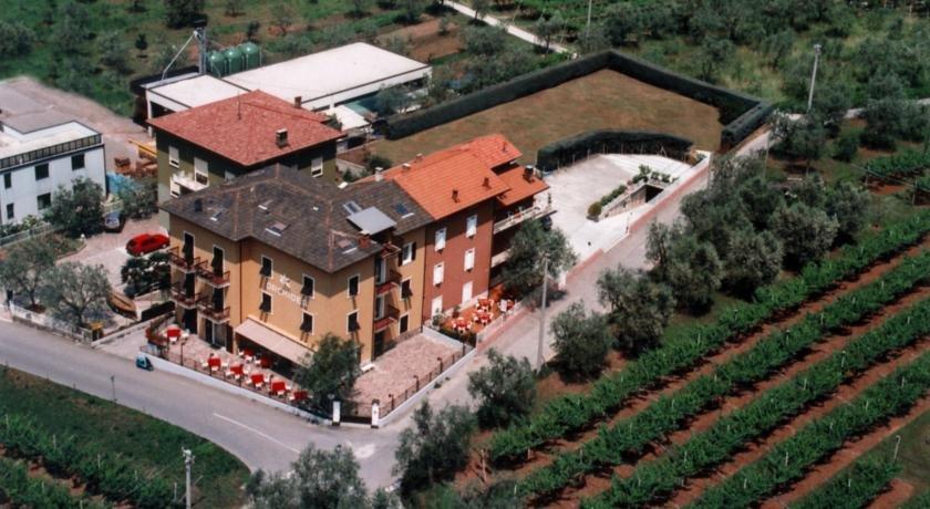 Albergo Garni Orchidea Riva del Garda - dream vacation