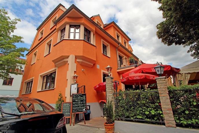 Hotel Villa Toscana Gersthofen Images