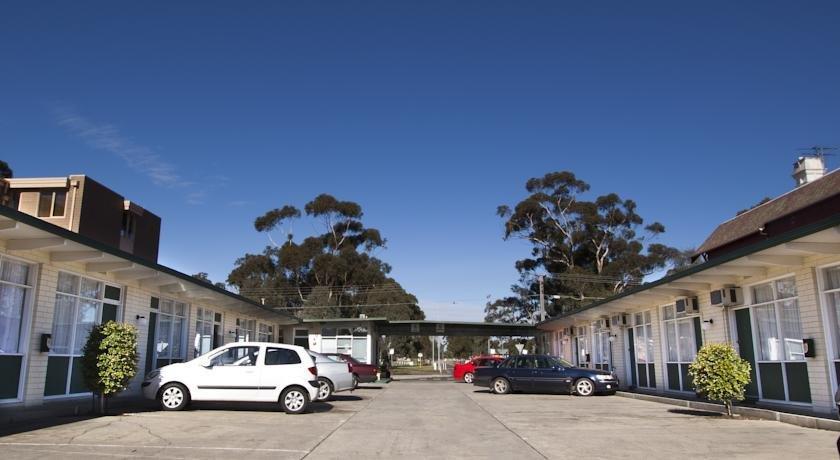 Photo: Parkville Motel