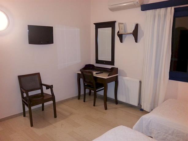 Pelican Hotel Fira - dream vacation