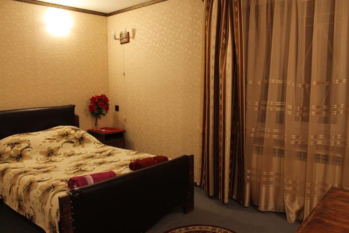 Отель Клен