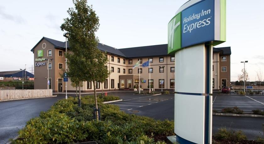 Express By Holiday Inn Antrim Antrim - dream vacation
