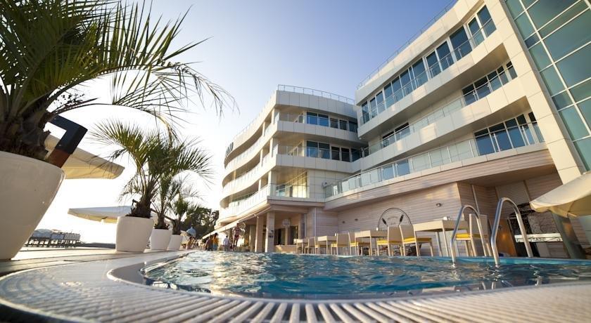 Отель Санремо