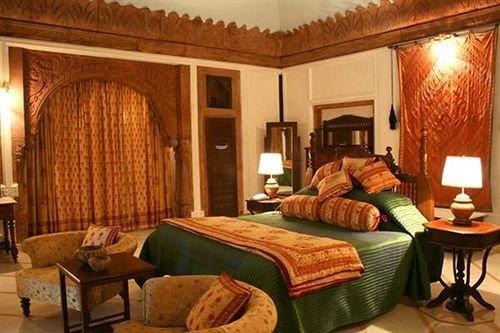 WelcomHeritage Balsamand Lake Palace Hotel Jodhpur - dream vacation