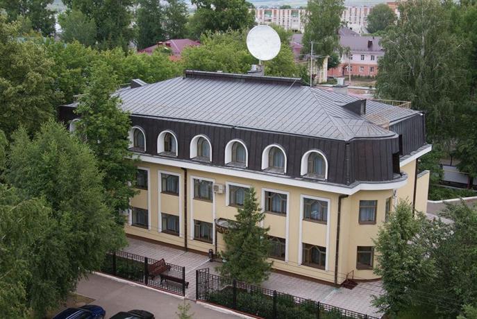 Бизнес отель Нефтяник на Толстого