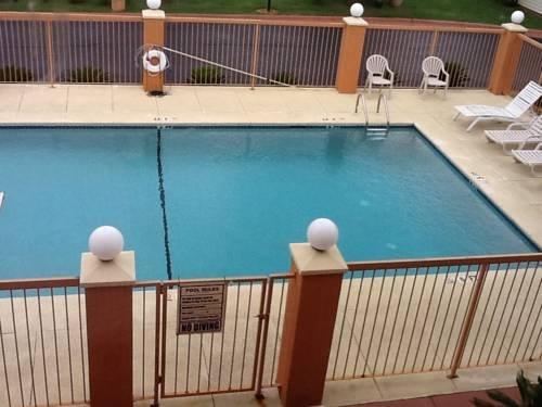 Days Inn & Suites Prattville - dream vacation