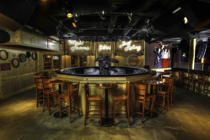 Nugget casino resort reno compare deals - Reno hotels with indoor swimming pool ...