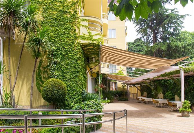 Отель Альмира