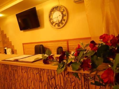 Отель Натали на Среднемосковской 7
