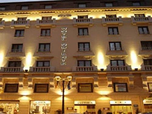 Hotel Oriente Zaragoza - dream vacation
