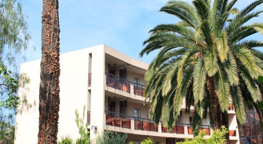 Maeva residence les palmiers nice compare deals for Garage les palmiers nice