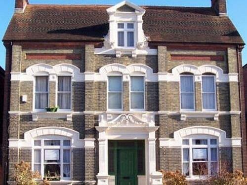 Trafalgar Guest House - dream vacation