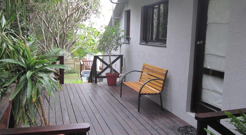 Chimneys Guest House East London - dream vacation
