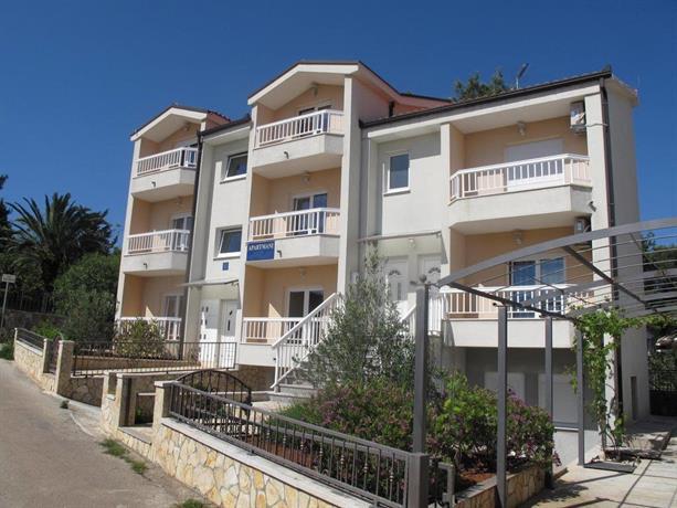 Apartments Mia Stari Grad - dream vacation