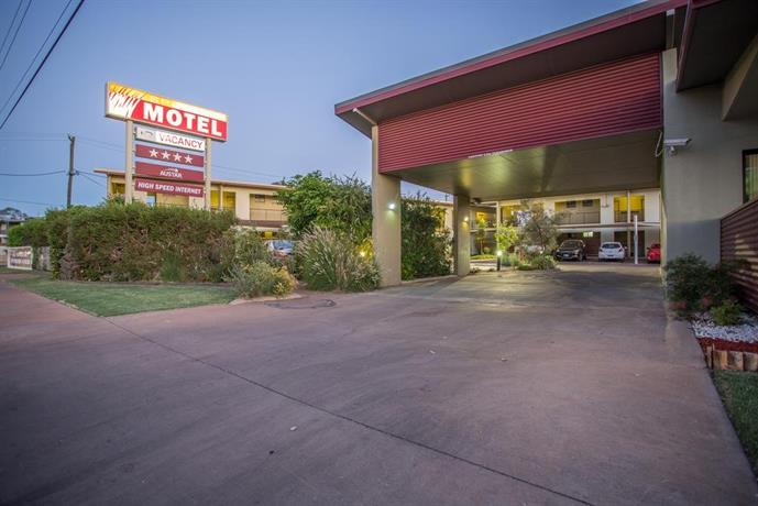 Spinifex Motel and Serviced Apartments Images
