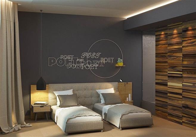 Poet Art Hotel