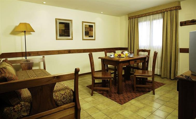Hostal Del Bosque Apart Hotel