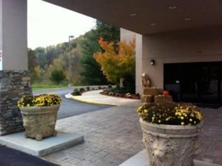 Smoky Mountains Inn & Suites - Cherokee - dream vacation