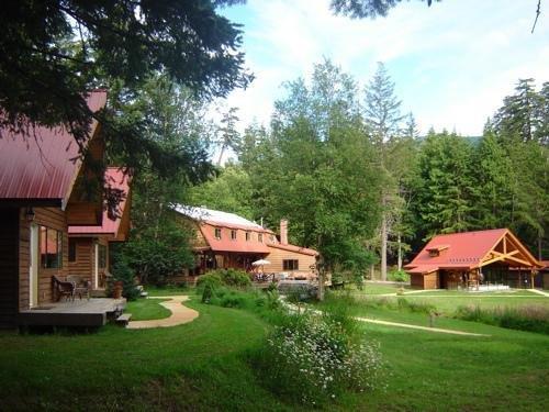 Tweedsmuir Park Lodge Images
