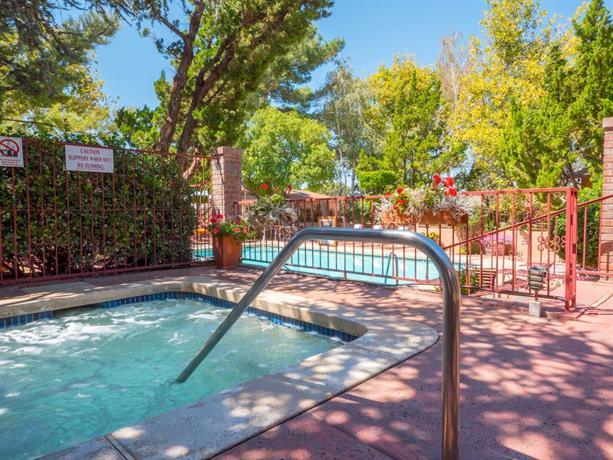 Sky ranch lodge sedona compare deals - The sky pool a deluxe adventure ...