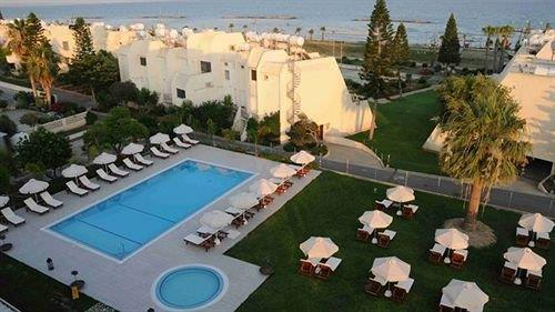 Frixos Suites Hotel Apartments - dream vacation