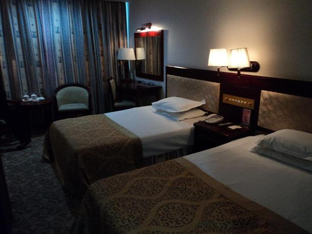 Tourist Hotel Zhuhai - dream vacation